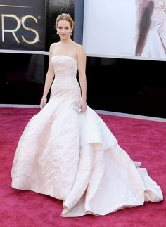 Jennifer Lawrence chose to wear Dior Haute Couture at the Oscar 2013 ceremony. Discover more on www.facebook.com/dior