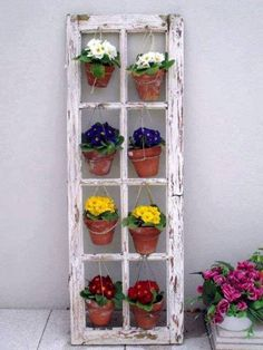 Recycled Door Into Garden Planter - The Best 30 DIY Vintage Garden Project You Need To Try This Spring - My Gardening Path Outdoor Projects, Garden Projects, Diy Projects On A Budget, Wood Projects, Garden Crafts, Woodworking Projects, Decoracion Low Cost, Recycled Door, Repurposed Doors