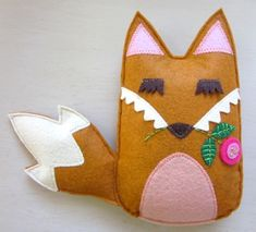 i really missed the tiny house and all my crafty mess. a tiny felt fox. Fuzzy Felt, Wool Felt, Fox Crafts, Arts And Crafts, Softies, Plushies, Plush Pattern, Felt Christmas Ornaments, Felt Patterns