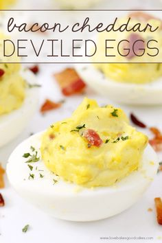 Bacon Cheddar Deviled Eggs Best Egg Recipes, Best Appetizer Recipes, Yummy Appetizers, Snack Recipes, Cooking Recipes, Favorite Recipes, Snacks, Tailgating Recipes, Easy Recipes