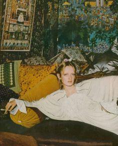 Twiggy by Justin De Villeneuve for UK Vogue, 1973.