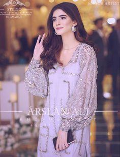 Pakistani Party Wear Dresses, Beautiful Pakistani Dresses, Indian Gowns Dresses, Pakistani Bridal Wear, Pakistani Dress Design, Pakistani Outfits, Designer Party Wear Dresses, Indian Designer Outfits, Wedding Dresses For Girls