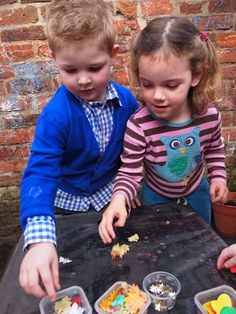 picking gems off sticky backed plastic or putting them on ~eyfs Fine Motor Skills Development, Physical Development, Gross Motor Skills, 4 Kids, Cool Kids, Abc Does, Early Years Teaching, Finger Gym, Funky Fingers
