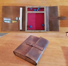 Oak dice tray with leather cover and internal pockets for character sheet, powers and items. Dm Screen, Tenacious D, Dice Tower, Dungeons And Dragons Dice, Dice Box, Dragon Crafts, Dnd Characters, Leather Projects, Pen And Paper