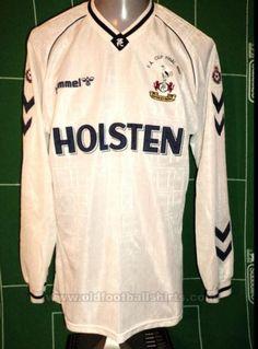 Tottenham Hotspur football shirt 1989 - 1991 sponsored by Holsten Football Uniforms, Football Kits, Football Jerseys, Tottenham Hotspur Football, Fa Cup Final, Going Out, Graphic Sweatshirt, Sweatshirts, Classic