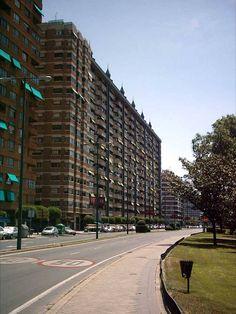 Avenida de Isabel La Católica. Valladolid. SPAIN