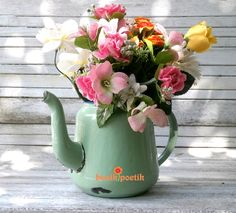 teapot and flower