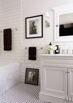Home Decor Bathroom Richard Lambertson and John Truex's Classic Manhattan Apartment.Home Decor Bathroom Richard Lambertson and John Truex's Classic Manhattan Apartment Black White Bathrooms, Bathroom Black, Bathroom Modern, Master Bathroom, Brick Bathroom, Guest Bathrooms, French Bathroom, 1920s Bathroom, Small Bathrooms