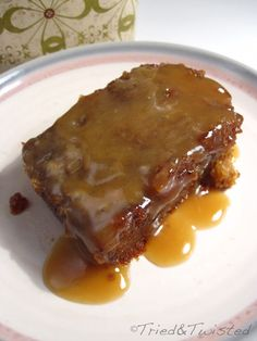 Sticky Toffee Pudding -- other than dates and cream, calls for no unusual ingredients or techniques. Toffee recipe also sounds relatively easy. Sticky Toffee Pudding -- other than dates and cream, calls for no Nigella Sticky Toffee Pudding, Sticky Toffee Pudding Cake, Toffee Recipe, English Sticky Toffee Pudding Recipe, Toffee Sauce, English Dessert Recipes, Easy Pudding Recipes, British Desserts, British Dishes