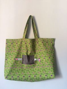 hacer una bolsa plegable: Reusable Tote Bags, Inspiration, Sewing, Creative, Recycling Bags, Fashion, Dresses, Fabric Purses, How To Make Bags