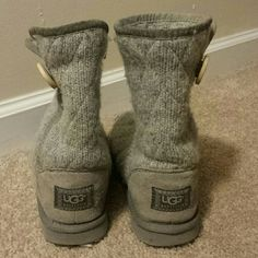 Grey Mountain Quilted Ugg Australia Great condition. AUTHENTIC. They fit a true size 7 UGG Shoes Winter & Rain Boots