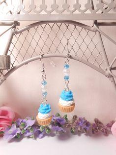 """Boucles d'oreilles gourmandes """"cupcake bleu turquoise"""" en pâte polymère (Fimo)…"""