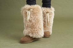 WASHABLE BOOT TOPPERS!!!!....the link doesn't take you to the instructions but I bet it could be figure out... would be fun in a dark purple or red :)