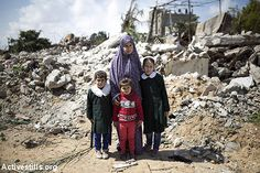 A new project uses heartbreaking photos, text and video to tell the stories of the Palestinian families who lost more than three members in the 2014 Gaza war, the stories of their lives, their deaths…