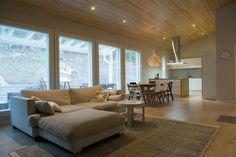 Kaunis katto Sofa, Couch, Furniture, Home Decor, Settee, Settee, Decoration Home, Room Decor, Home Furnishings