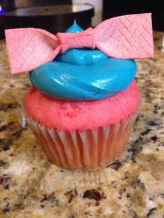 Cupcakes inspired by HAIRSPRAY the Musical! <3