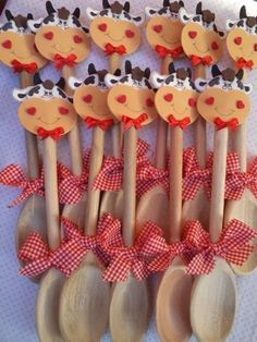 Nosso Espaço Educando: Lembrancinha para o Dia das mães - Colher de pau decorada.