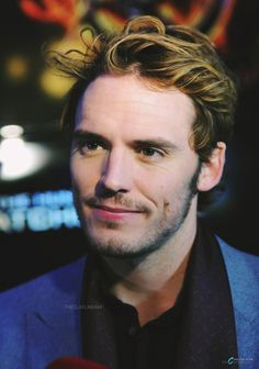 hollywood actor We just can't get enough of Sam Claflin. The British actor first won our hearts in the Hunger Games movies, but thanks to his upcoming role in the bittersweet Sam Claflin, Chris Evans, Top Hollywood Actors, Sam Reid, Sam Worthington, Hunger Games Movies, Alexander Ludwig, Famous Men, British Actors