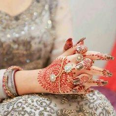 Latest Eid Mehndi Designs For Henna Designs 2016 Beautiful Mehndi Design, Beautiful Bride, Beautiful Hands, Whatsapp Dp, Eid Mehndi Designs, Pakistani Bridal Dresses, Girls Hand, Henna Patterns, Stylish Girl