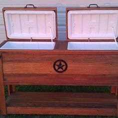 Custom Rustic Wood Coolers/Ice Chests, Book Shelves/Cases, Wall Decor, Trash Cans, Benches and more. Wood Cooler, Patio Cooler, Wooden Ice Chest, Woodworking Plans, Woodworking Projects, Cooler Stand, Diy Furniture Plans, Wood Patterns, Rustic Wood