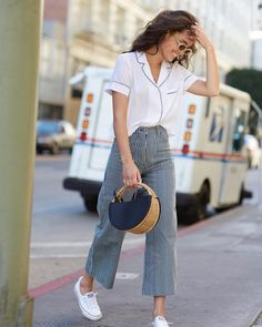 35 Ideas sneakers outfit summer fashion looks jeans Trendy Fashion, Fashion Outfits, Fashion Trends, Sneakers Fashion, Fashion Spring, Womens Fashion, Converse Fashion, Fashion Clothes, Latest Fashion
