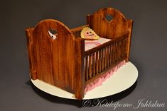 Pinnasänkykakku Bassinet, Baby Shower, Bed, Furniture, Home Decor, Babyshower, Crib, Decoration Home, Stream Bed