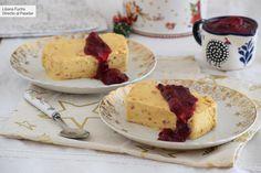 Biscuit de turrón con salsa de frutos rojos: una receta muy fácil para el postre de estas Navidades  #recetas Mantecaditos, Yule, Cheesecake, Tacos, Menu, Pudding, Sweets, Ethnic Recipes, Salsa