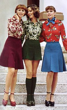 1974 fashion  - the Way we Wore - Color coordinates skirt and print blouse and Mary Jane platform shoes. Yes!