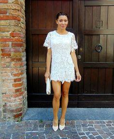 Gatta Vaidosa: Mini vestido de renda branco