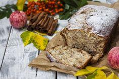 Σήμερα θα φτιάξουμε ένα ακόμα μαμαδίστικο κέικ με έναν ασυνήθιστο συνδυασμό γεύσεων που δένουν τόσο αρμονικά μεταξύ τους πού σίγουρα θα το λατρέψετε! Υλικά 1 3/4 φλ. αλεύρι για όλες τις χρήσεις 2 ½ κοφτά κ.γ. μπέικιν πάουντερ 1 κοφτό κ.γ. αλάτι 1 κοφτό κ.γ κανέλα ¾ + ½ φλ. ελαιόλαδο ½ φλ. χυμό πορτοκαλιού 1 κ.σ. λευκό ξύδι ¾ + [...] Cheesecakes, Banana Bread, Desserts, Food, Pain, Gluten, Cooking Recipes, Apples, Tailgate Desserts