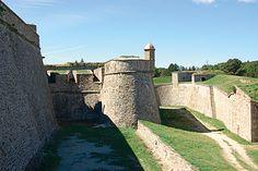 Citadelle militaire de Mont-Louis(66 Pyrénées-Orientales) Une des nombreuses citadelles érigées par Vaubann encore utilisée par l'armée.  #vauban #histoire #balade #citadelle #BaLaDO