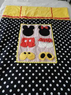 Mickey & Minnie quilt, I want one!