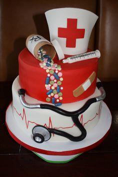 Nursing School Graduation Cake - Tendance et Populaire Nursing Graduation Cakes, Graduation Ideas, Medical Cake, Doctor Cake, Nurse Party, School Cake, Cupcake Cakes, Cupcakes, Retirement Cakes
