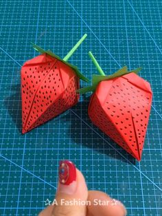 8 Easy Origami Ideas – Fun Paper Crafts – Paper Strawberry Are you looking for some easy origami ideas? I believe you are someone who likes paper crafts, or you can come for family origami event. Paper Crafts Origami, Easy Paper Crafts, Diy Origami, Diy Crafts Videos, Paper Crafting, Origami Ideas, Crafts For Kids, Simple Crafts, Felt Crafts