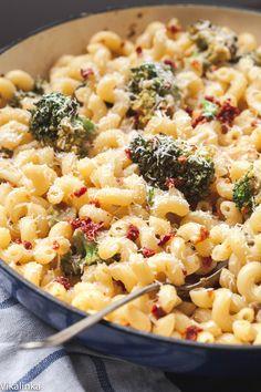 Broccoli and sun-dried tomato pasta