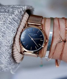 Montre Rosefield The MERCER Black Rose Gold – Frais de port offerts – … - Gold Jewelry Urban Jewelry, Real Gold Jewelry, Gold Jewellery, Gold Fashion, Fashion Jewelry, Style Outfits, Stylish Watches, Jewelry Photography, Beautiful Watches
