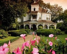 """Love the trim for a period house. """"Built in Hunter House in Madison, Georgia is a prime example of Georgia's famous southern architecture"""" Southern Architecture, Victorian Architecture, Beautiful Architecture, Beautiful Buildings, Beautiful Homes, Architecture Design, Beautiful Places, Beautiful Dream, Classical Architecture"""