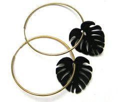 Pendientes Hoja Adán realizados en cuero. Plata Baño Oro. Ø 30mm Precio:19,95 € Ø 45mm. Precio: 24,95€ #earrings #pendientes #complementos #mujer #moda #locasderemate
