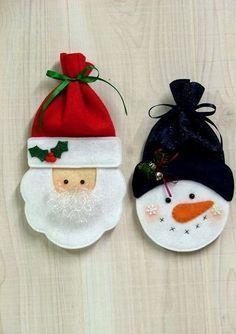 me ~ Felt Santa & Snowman Treat Bags / christmas xmas ideas - Juxtapost Felt Christmas Decorations, Felt Christmas Ornaments, Christmas Bags, Handmade Ornaments, Christmas Projects, Felt Projects, Santa Christmas, Christmas Trees, Felt Snowman