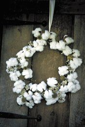 Floral cotton wreath for a rustic country wedding.