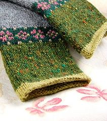 Ravelry: hgd11's Rose Mitts