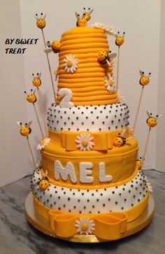 BEE CAKE BY SWEET TREAT www.sweettreatusa.com