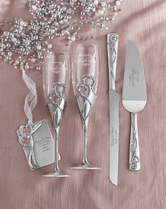 Enter to WIN this personalized Intertwined Hearts flutes and server set, complete with a holiday ornament! Bride And Groom Glasses, Wedding Wine Glasses, Wedding Champagne Flutes, Wedding Cake Accessories, Wedding Cake Server, Wedding Sets, Wedding Knife Set, Bling Wedding, Wedding Blog