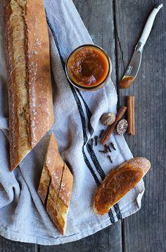Slow Cooker Pumpkin Butter Recipe via @honestlyyum