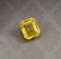 10.80-Carat Certified !! 100% Natural Unheated Yellow Sapphire Loose gemstone !!