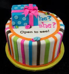 reveal cake ummm? I want this!!!!!!!
