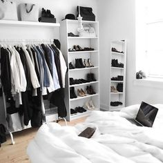 Here are list of the awesome minimalist apartment designs ever presented on sweet house. Find inspiration for Minimalist Apartment Design to add to your own home. Wardrobe Organisation, Small Bedroom Organization, Closet Organization, Tumblr Rooms, Minimalist Apartment, Lounge Decor, Room Closet, Closet Space, Aesthetic Rooms