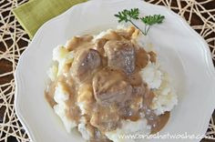 Slow Cooker Beef Tips & Gravy - Cyrille Selbie Crockpot Recipes Beef Tips, Crock Pot Beef Tips, Crock Pot Slow Cooker, Crock Pot Cooking, Cooker Recipes, Sirloin Tip Roast, Beef Tips And Gravy, Cream Of Celery Soup, Entree Recipes