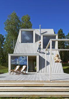 Cabin by Leo Qvarsebo