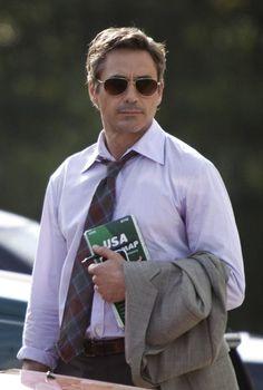 Robert Downey Jr. wears Benedict in Due Date